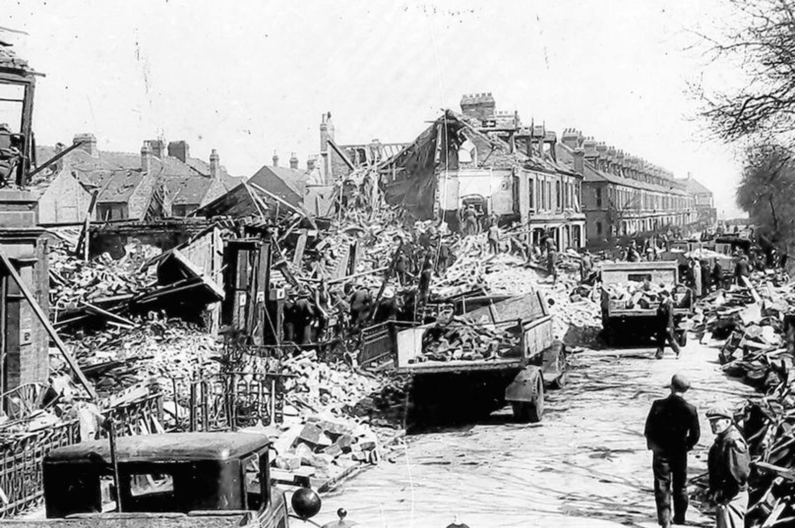 The destruction at Guildford Place in Heaton following the raids on 25th April 1941.